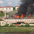 W Grodnie spłonął zabytkowy browar, dawny pałac Sapiehów
