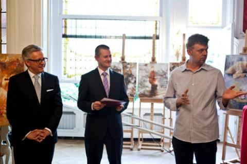 Andrzej Filipowicz (z prawej) na otwarciu wystawy, fot. Łukasz Kobus/East Poland House