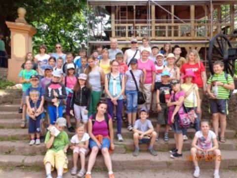 Grupa dzieci z Iwieńca, fot.: odraniemen.org
