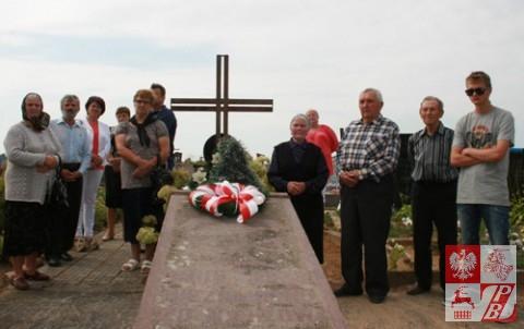 Łunna. Mogiła nieznanych żołnierzy polskich poległych we wrześniu 1920 r. Grób przykrywa granitowa płyta ze znakiem Krzyża Virtuti Militari oraz napisem: 1918 – 11.XI – 1928 NIEZNANEMU ŻOŁNIERZOWI CZEŚĆ