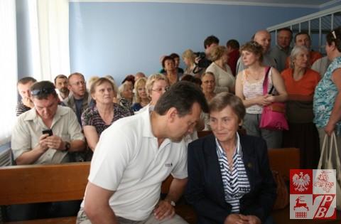 Prezes ZPB i członkini zarządu ZPB na wypęłnionej po brzegi sali sądowej