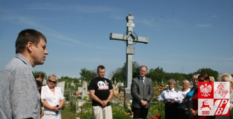 Na cmentarzu katolickim