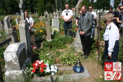 Przy grobie żołnierza AK Mieczysława Sobieranskiego