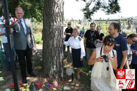 Przy grobie żołnierza AK Zofii Nowickiej