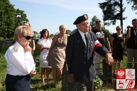 Żołnierz AK Alfons Rodziewicz opowiada o poległych towarzyszach broni