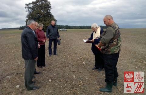 Modlitwa w miejscu znalezienia zwłok Antoniego Marciniaka