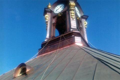 Wieża zegarowa po renowacji, fot.: wspolnotapolska.org.pl