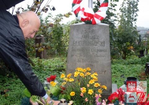 Grób Janusza Budzanowskiego na cmentarzu Pobernardyńskim
