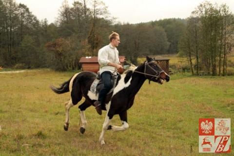 Dodatkową atrakcją był pokaz jazdy konnej przez syna gospodarzy Roberta Koziuka
