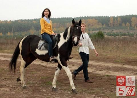 Każdy, kto miał ochotę mógł (z pomocą Roberta) posiedzieć w siodle na koniu.