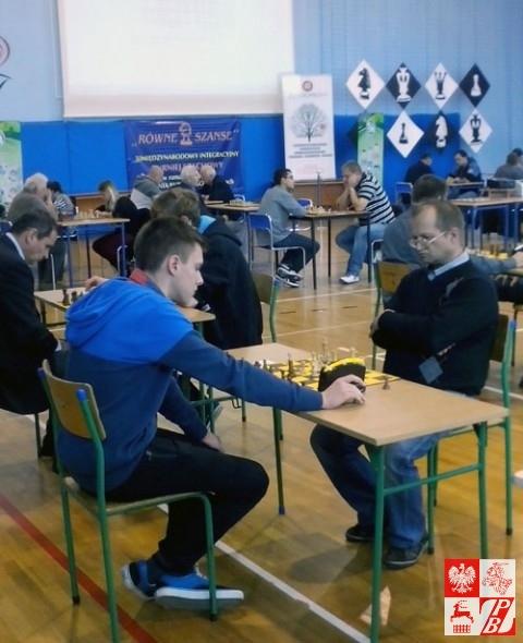 Gra Michał Adamczyk z brzeskiego klubu szachowego