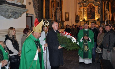 Ks. biskup Aleksander Kaszkiewicz i konsul generalny RP w Grodnie Andrzej Chodkiewicz, fot.: KG RP w Grodnie