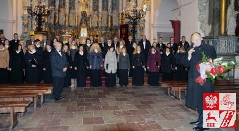 Konsul generalny RP w Grodnie Andrzej Chodkiewicz dziękuje artystom