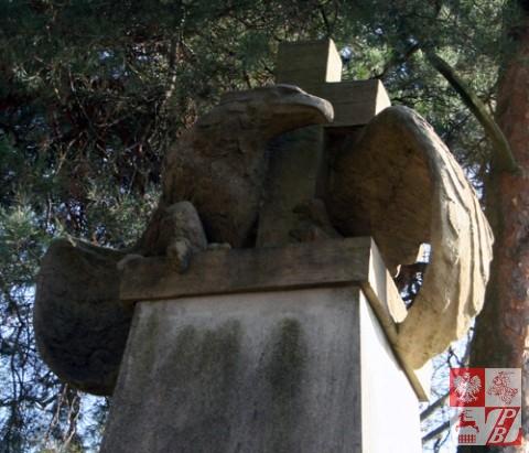 Lida_cmentarz_wojskowy_pomnik