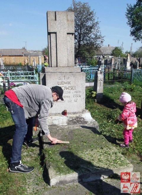 Cmentarz_w_Pinsku_04