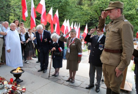 rossa-ak-70-rocznica-operacja-ostra-brama-2014-33_obr