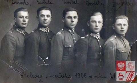 Ignacy Sutuła, drugi od lewej