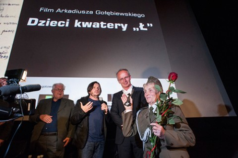 Weronika Sebastianowicz odbiera nagrodę, fot.: radiownet.pl