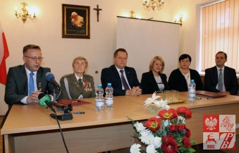 Uczestnicy konferencji prasowej, od lewej: Artur Kondrat, Weronika Sebastianowicz, Jarosław Zieliński, Andżelika Borys, Barbara Kuklewicz, Jan Stanisław Kap