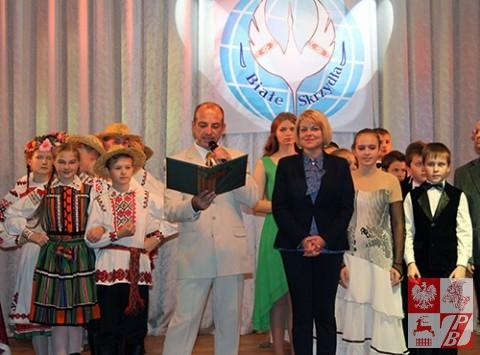 Podczas wręczania nagród i dyplomów laureatów festiwalu