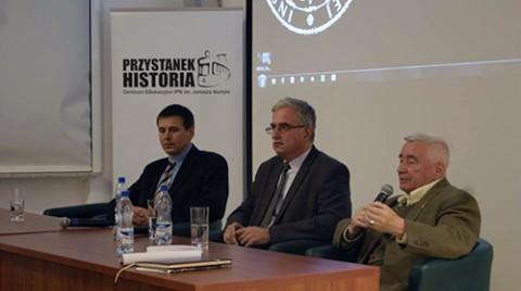 Uczestnicy dyskusji: Józef Porzecki, Piotr Kościński i Czesław Grzelak, fot.: Fundacja Joachima Lelewela