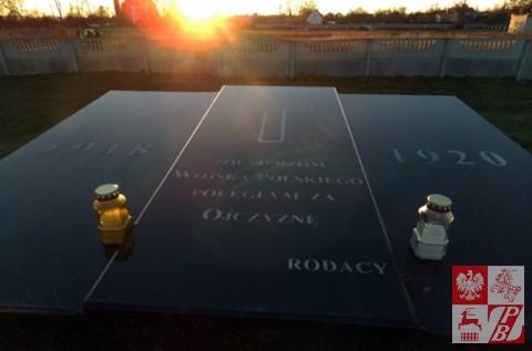 Sprzatanie_Cmentarzy_przez_OddzialZPB_w_Brzesciu4jpg