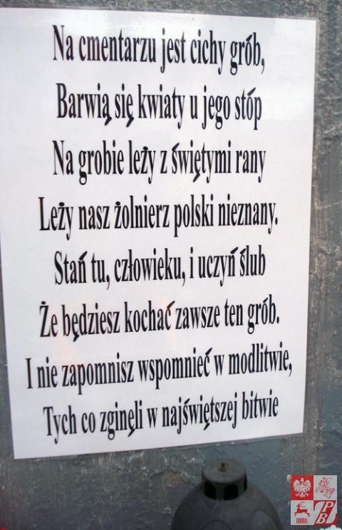 Nadpis_na_pomniku_zrobiony_przez_miejscowych_polakow