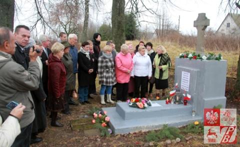 Przy_pomniku