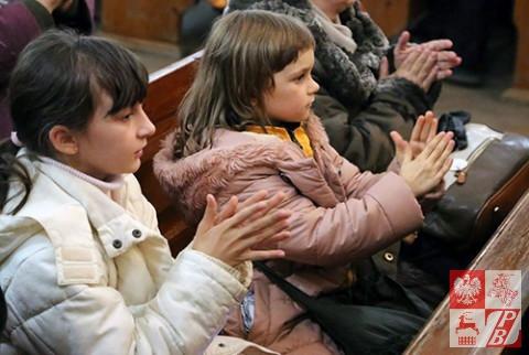 Najmłodsze wielbicielki muzyki duchownej