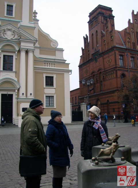 Podczas wycieczki po Toruniu: Igor Kiebiec, Anna Kosicka i Janina Pilnik