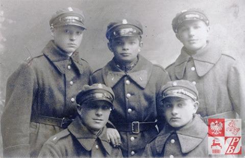 Michał Siagło,pierwszy od prawej w górnym rzędzie tuż po poborze do wojska  - 1932 r.