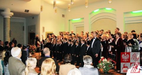 """Wspólne wykonanie piosenki """"Białoruś moja"""", niałoruskojęzycznej wersji piosenki """"Polsko moja"""""""