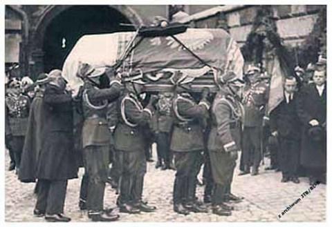 Pogrzeb_Marszalka_1