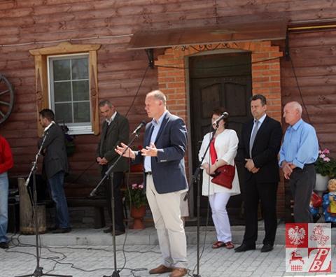 Przemawia konsul generalny RP w Grodnie Andrzej Chodkiewicz