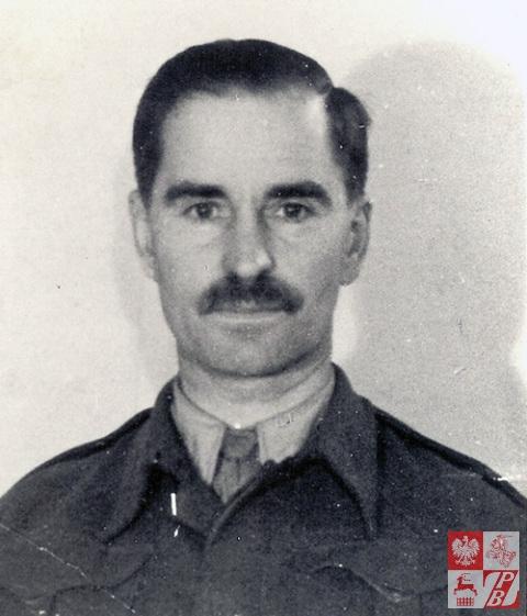 3 października 1943 r., Anglia. Narcyz Łopianowski po przeszkoleniu w formacji Cichociemnych przed zrzutem do Polski