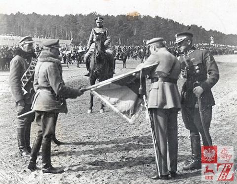 Marszałek Józef Piłsudski wizytuje 1. Pułk Ułanów Krechowieckich