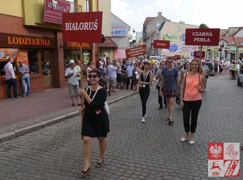 Pochód ulicami Mrągowa