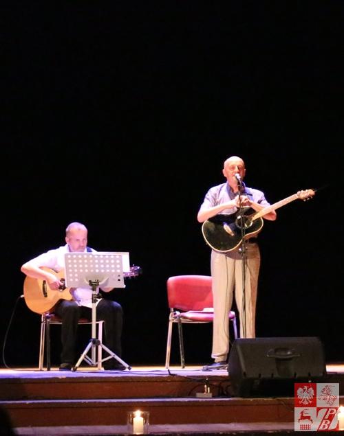 Na scenie Wiktor Szałkiewicz