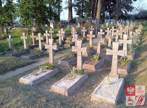 Kwatera wojenna na cmentarzu w Ciereszkach