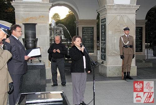 Przemawia Ewa Szakalicka, współorganizator obchodów Dnia Jedności Kresowian