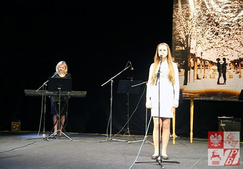 Helena Abramowicz (za klawiszami po lewej) z córką