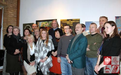 Goście wernisażu i twórcy wystawy