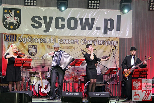 """Zespół """"Czarna Perła"""" na koncercie w Sycowie"""