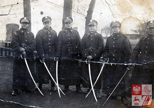 Lata 30. minionego stulecia - Warszawa. Szwoleżerowie 1. Pułku Szwoleżerów Józefa Piłsudskiego. Bronisław Łukaszyk - czwarty od lewej