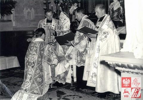 Biskup_Aleksander_Kaszkiewicz_archiwum
