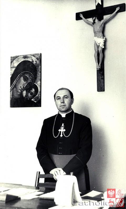 Biskup_Aleksander_Kaszkiewicz_archiwum1