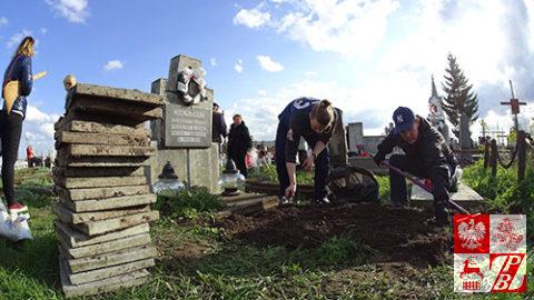 Cmentarz_bernardynski_sprzatanie