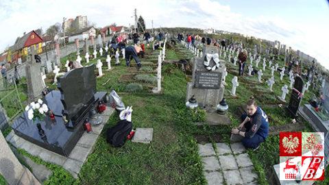 Cmentarz_bernardynski_sprzatanie4