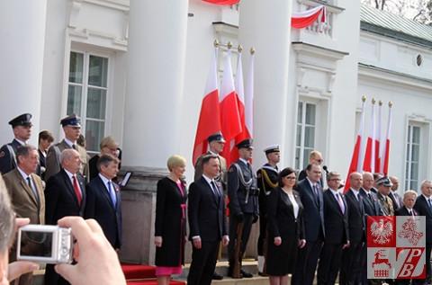 Para_prezydencka_przed_Belwederem