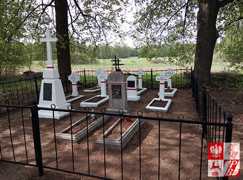 Cmentarz w Burakach po renowacji